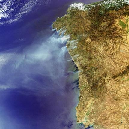 Raging_fires_across_Spain_and_Portugal_node_full_image