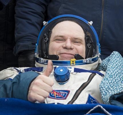 Expedition 38 Soyuz TMA-10M Landing