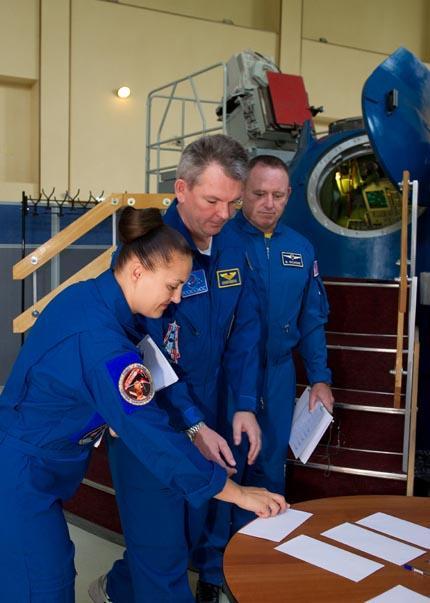 Soyuz TMA-14M 01