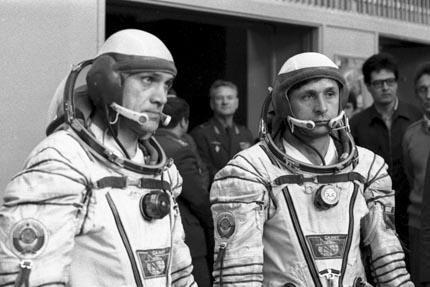 Soyuz T-13 crew before exams1