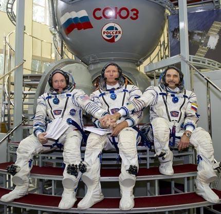 Soyuz TMA-14M 06