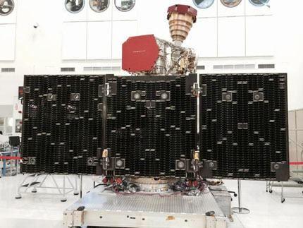 14_SMAP-Solar-Arrays_redux