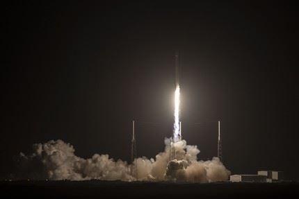 Falcon-9_JCSat-16 3