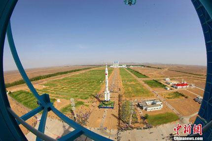 Shenzhou-10 na plataforma 03