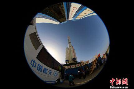 Shenzhou-10 na plataforma 04