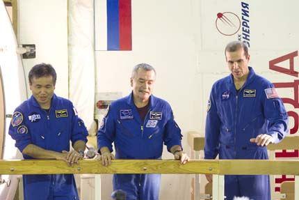Soyuz TMA-11 10